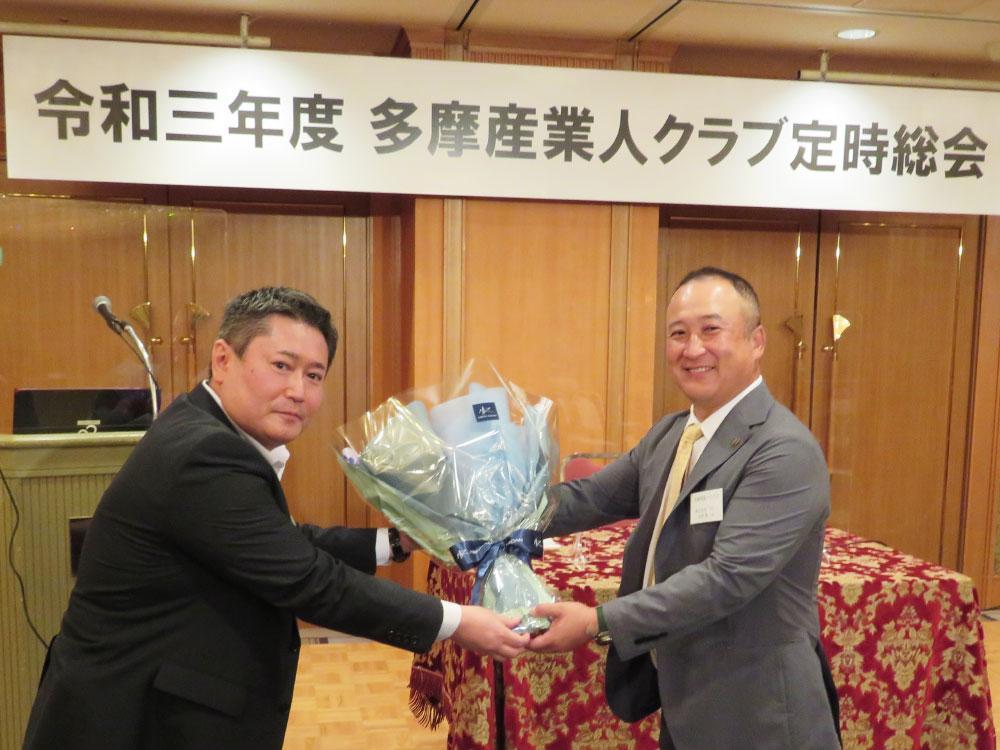 左が新会長の安藤忠明氏、右は牧野拳一郎氏.jpg