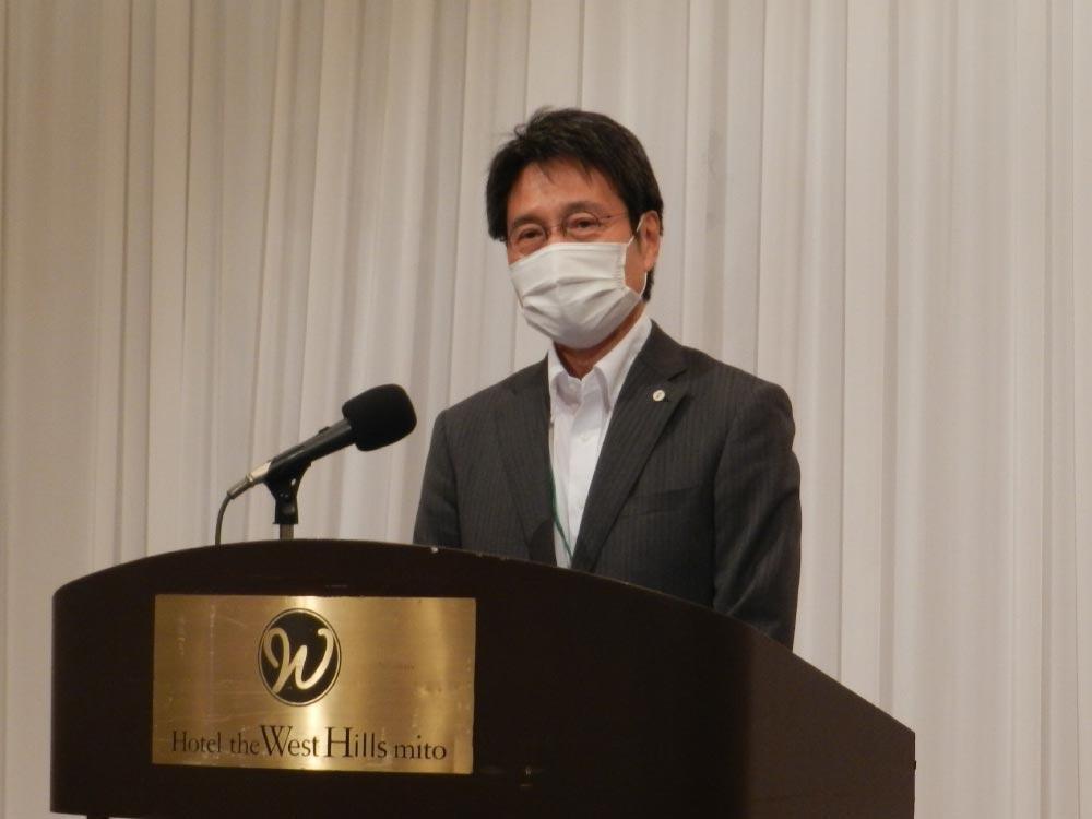 茨城産業人クラブ-講演する太田寛行茨城大学長.jpg